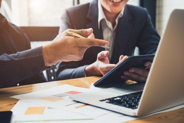 Unternehmensberatung beratschlagt Digitalisierung